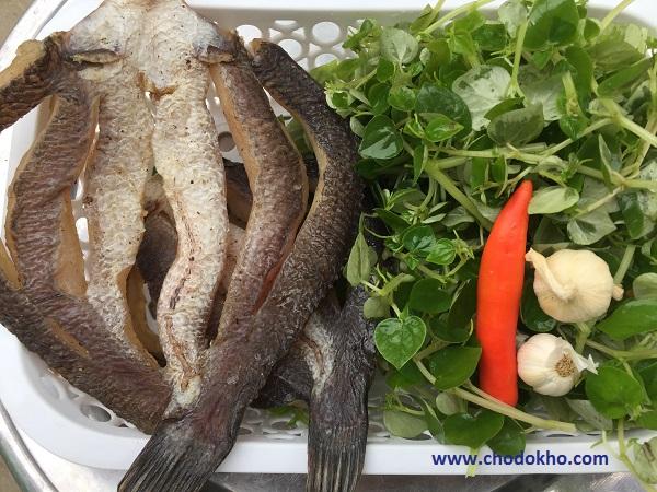 Nguyên Liệu Gỏi Rau Càng Cua Khô Cá Lóc